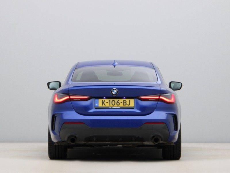 BMW 4 Serie Coupé 430i High Exe M-Sport Aut. afbeelding 10