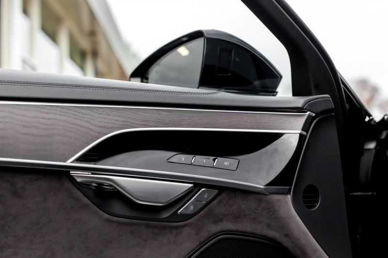 Audi A8 50 TDI quattro NP 185.000,- afbeelding 2