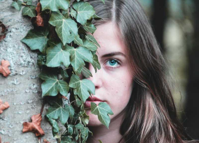 Holistic Remedies to Treat Acne & Minimize Breakouts