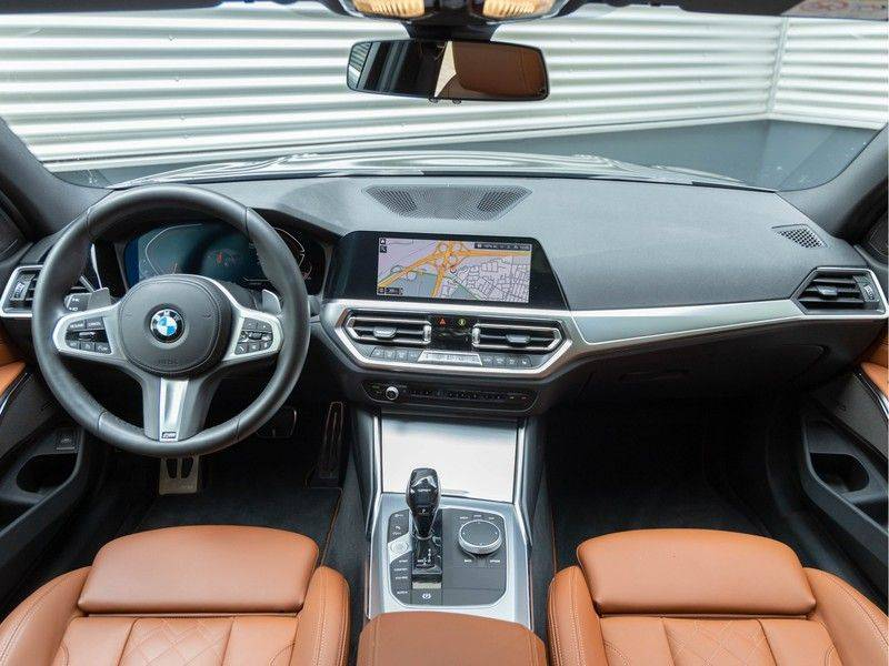 BMW 3 Serie Touring 330i M-Sport - Individual - Memoryzetels - Trekhaak - Panorama afbeelding 11