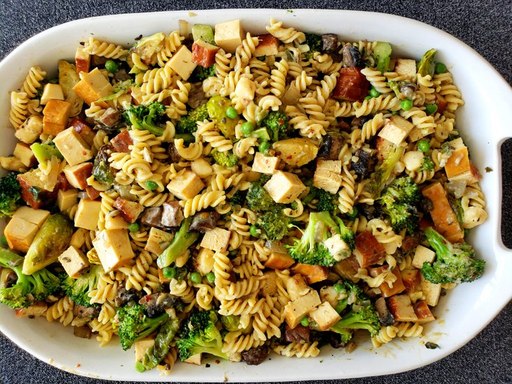 Vegan fusilli casserole with tofu chunks
