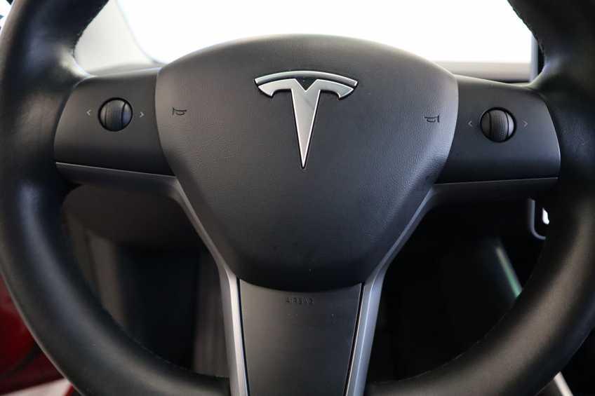 "Tesla Model 3 Long Range   prijs ex.btw 45950,-   FSD! Rood Zwart Navigatie 18""LM 4% Bijtelling Privacy glas 351 PK! afbeelding 6"