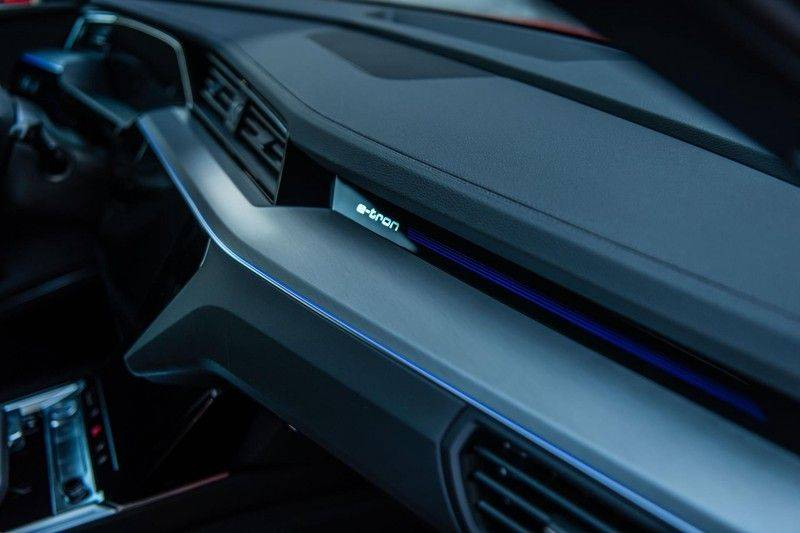 Audi e-tron 55 Quattro Advanced Exterieur, 408 PK, 4% bijtelling, Head/Up display, Pano/Dak, Night/Vision, S-line interieur, 15DKM afbeelding 17