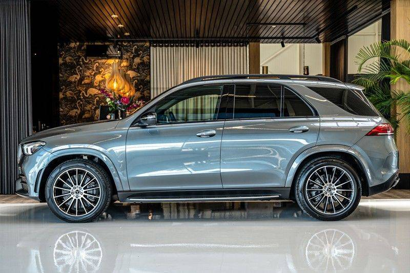 Mercedes-Benz GLE 450 4MATIC AMG   Panorama   Head-up Display   Memory   Burmester   Luchtvering   NP €140.000 afbeelding 2
