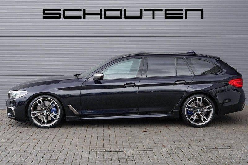 """BMW 5 Serie M550d X-Drive M-Pakket Shadow B&W Camera 360° Massage 20"""" afbeelding 8"""