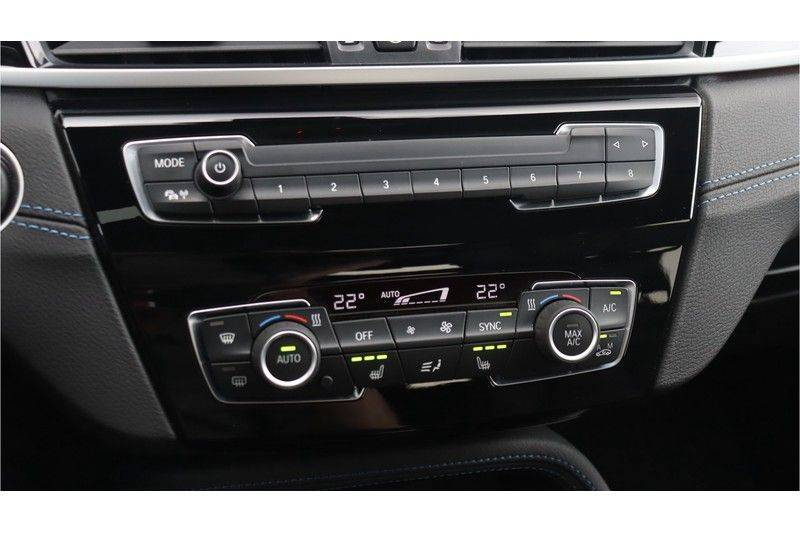 BMW X1 xDrive20i High Executive M Sport Panoramadak, Head-Up Display, Leder, Trekhaak afbeelding 23