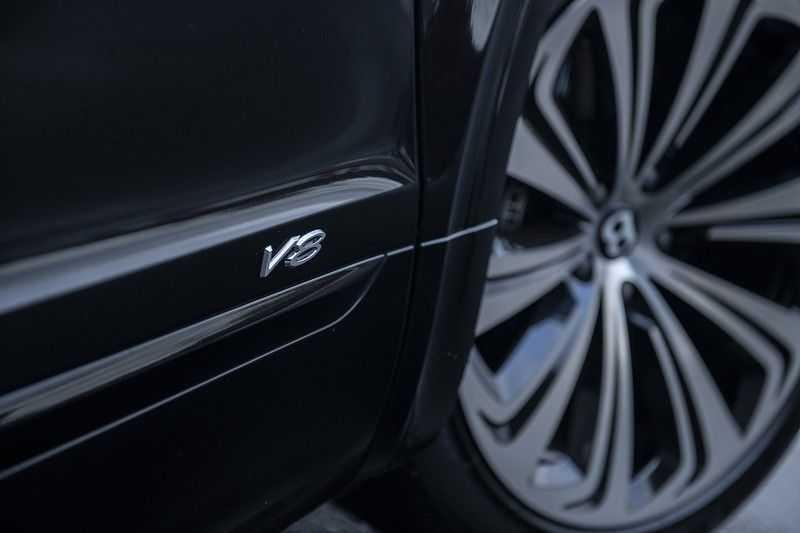 Bentley Bentayga V8 FIRST EDITION MY 2021 + Naim Audio + Onyx Pearl Black + Apple CarPlay (draadloos) afbeelding 17