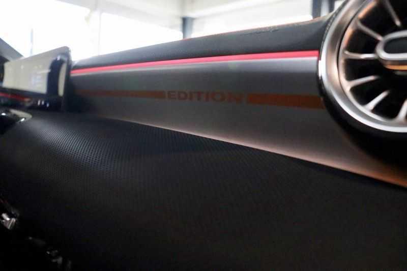 Mercedes-Benz CLA-Klasse 200 AMG Orange Edition PANO|Burmester|360cam|Sfeer afbeelding 17