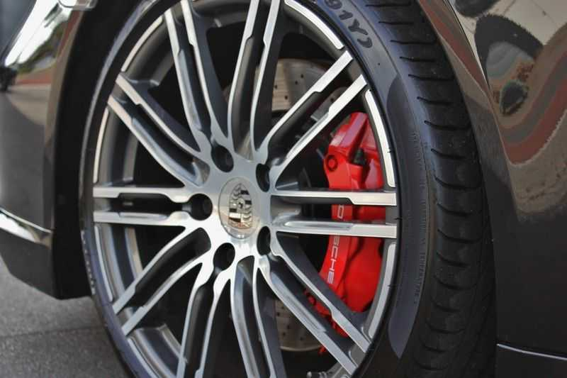 Porsche 911 3.8 Turbo 520pk PDK **E.dak/PCM/Carbon/Bose** afbeelding 24
