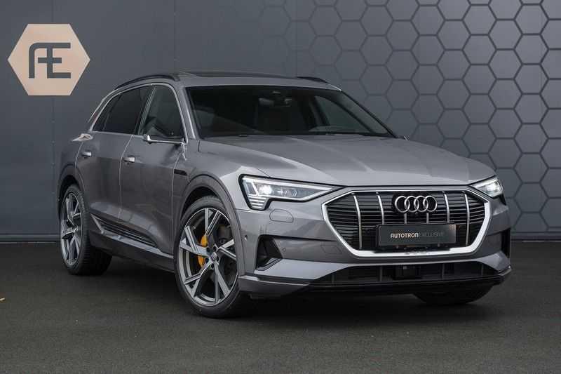 "Audi E-tron 55 e-tron quattro Advanced Pro Line S DECEMBER 2018!! € 146,- netto bijtelling pm! Head-up + B&O etc. Tot januari 2024 4% bijtelling!! Prijs inclusief 22"" velgen afbeelding 5"