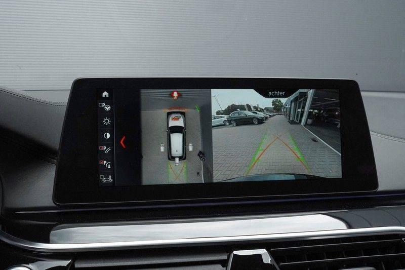 """BMW 5 Serie M550d X-Drive M-Pakket Shadow B&W Camera 360° Massage 20"""" afbeelding 21"""