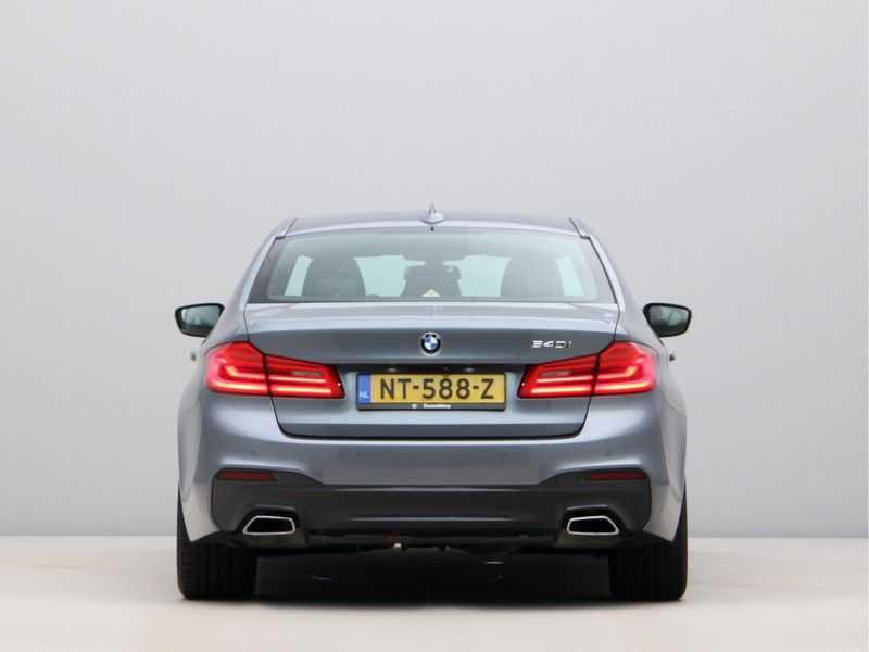 BMW 5 Serie 540i High Exe M-Sport Aut. afbeelding 12
