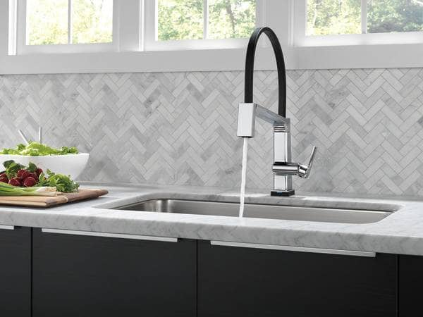 Pivotal Exposed Kitchen Faucet