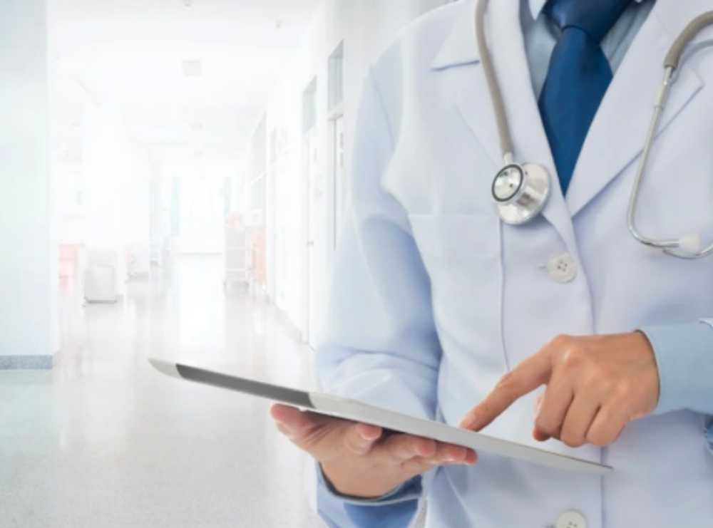 Accruent - Resources - Blog Entries - How to Improve Healthcare Facilities and Plant Operations Management with a Modern CMMS - Hero