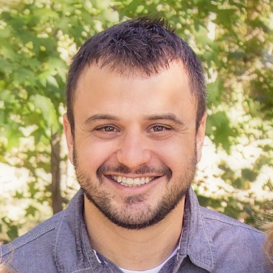 Dustin Holub