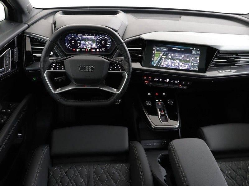 Audi Q4 40 e-tron Launch edition S Competition | Panoramadak | Lederen bekleding | Sonos | Head-up display afbeelding 3