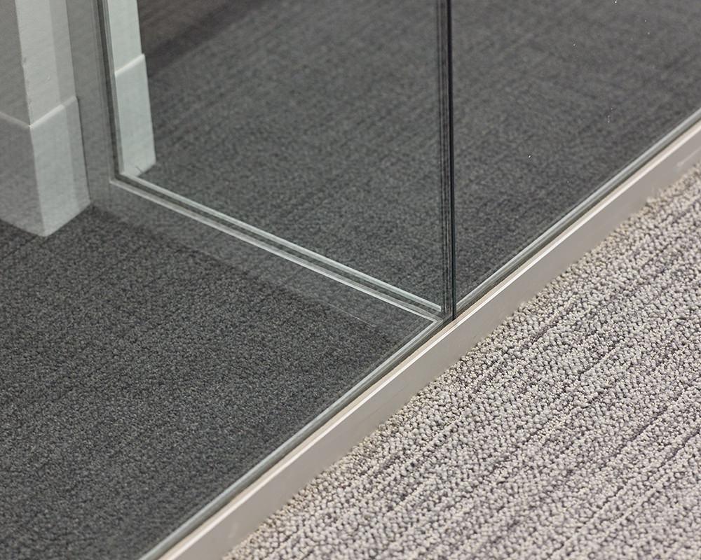 2 Glass Offices Metting Flush in Corner