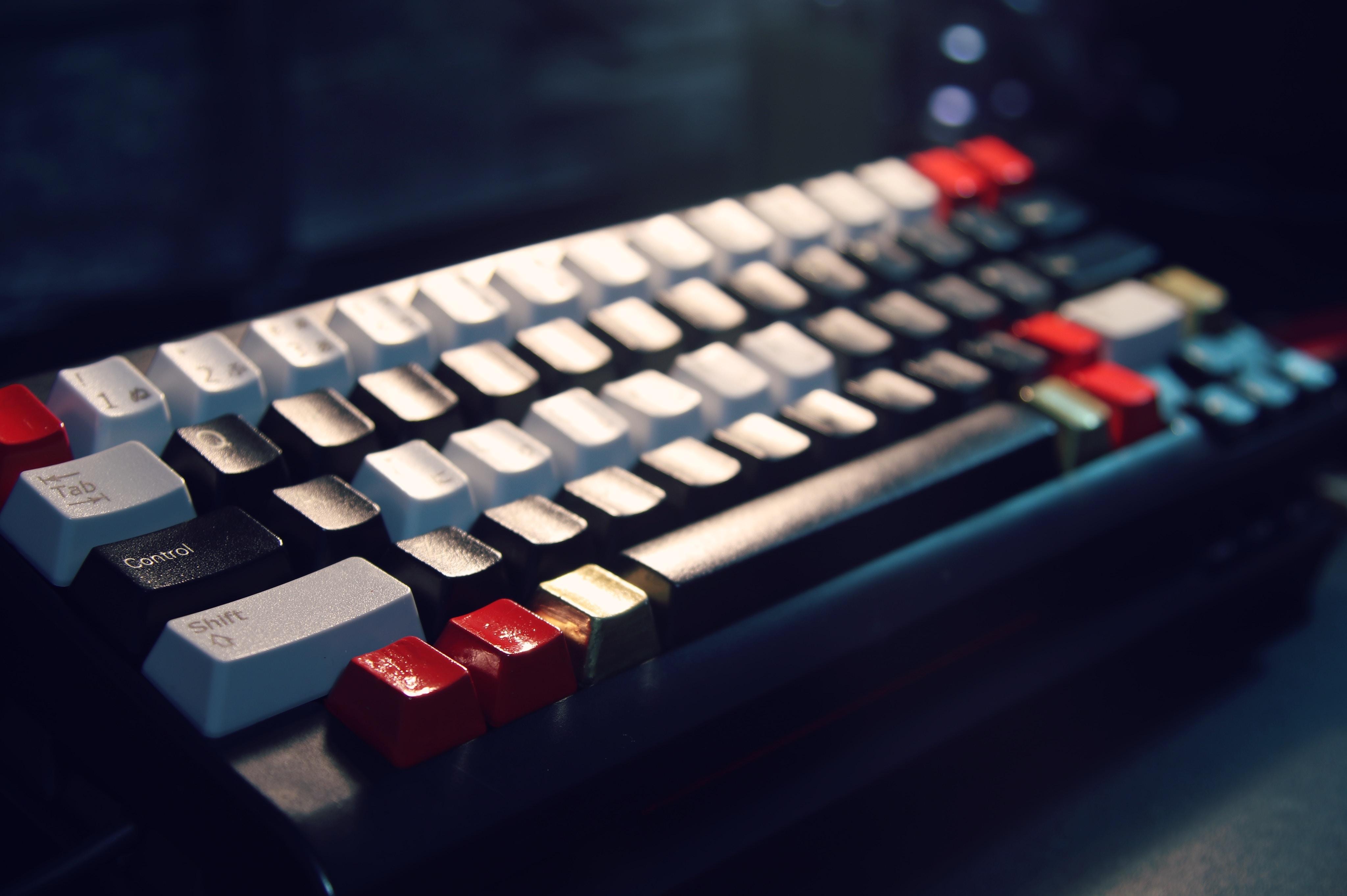 Keyboard photo by NihoNorway graphy on Unsplash