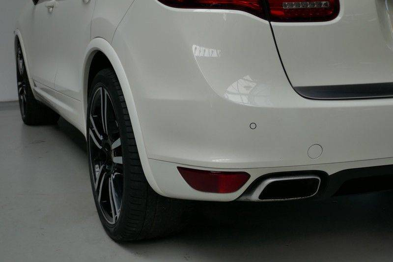 Porsche Cayenne 4.8 S Panoramadak afbeelding 15
