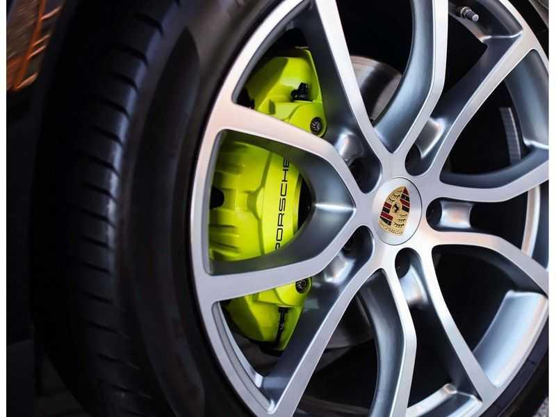 Porsche Cayenne 3.0 E-Hybrid *Pano*Chrono*ACC*PASM*HUD*Bose* afbeelding 11