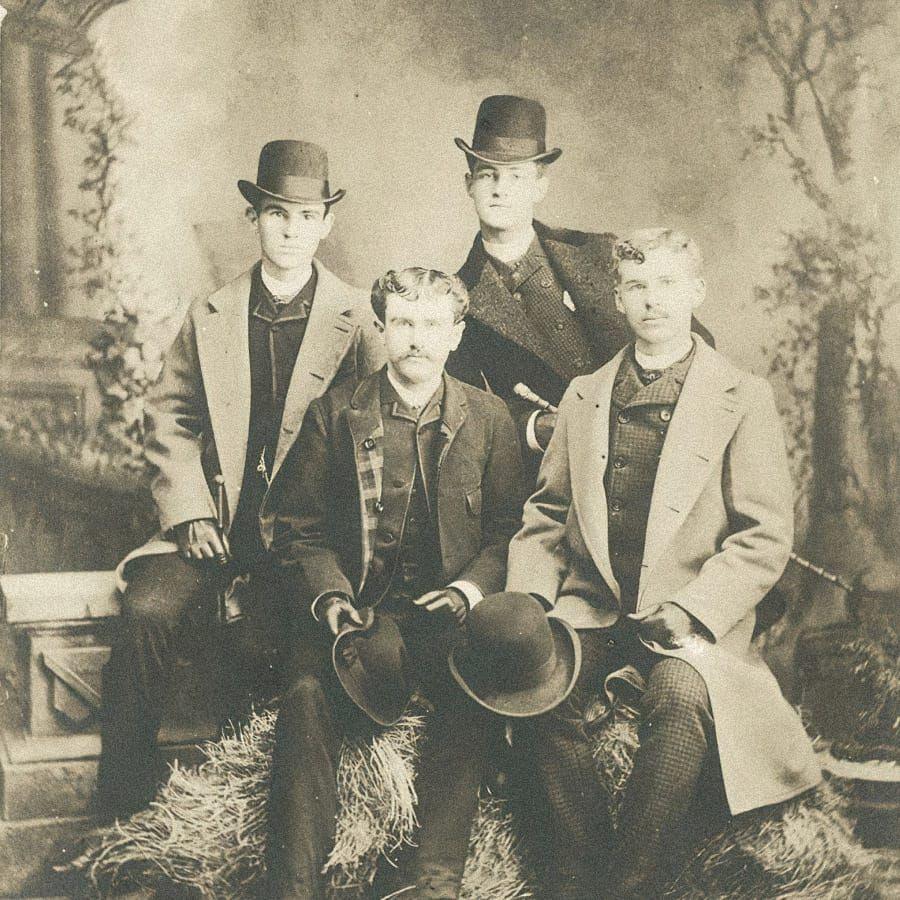 Уильям Сидни Портер (в нижнем ряду слева) с друзьями в Техасе в 1886 году. Источник: wikipedia.org