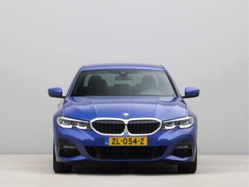 BMW 3 Serie 320i High Exe M-Sport Aut. afbeelding 7