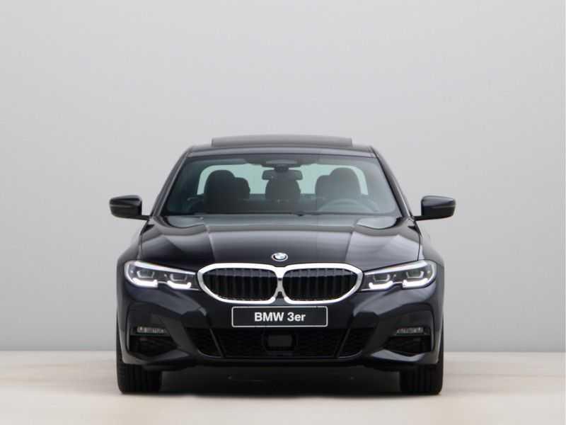 BMW 3 Serie 330e High Exe M-Sport Aut afbeelding 9