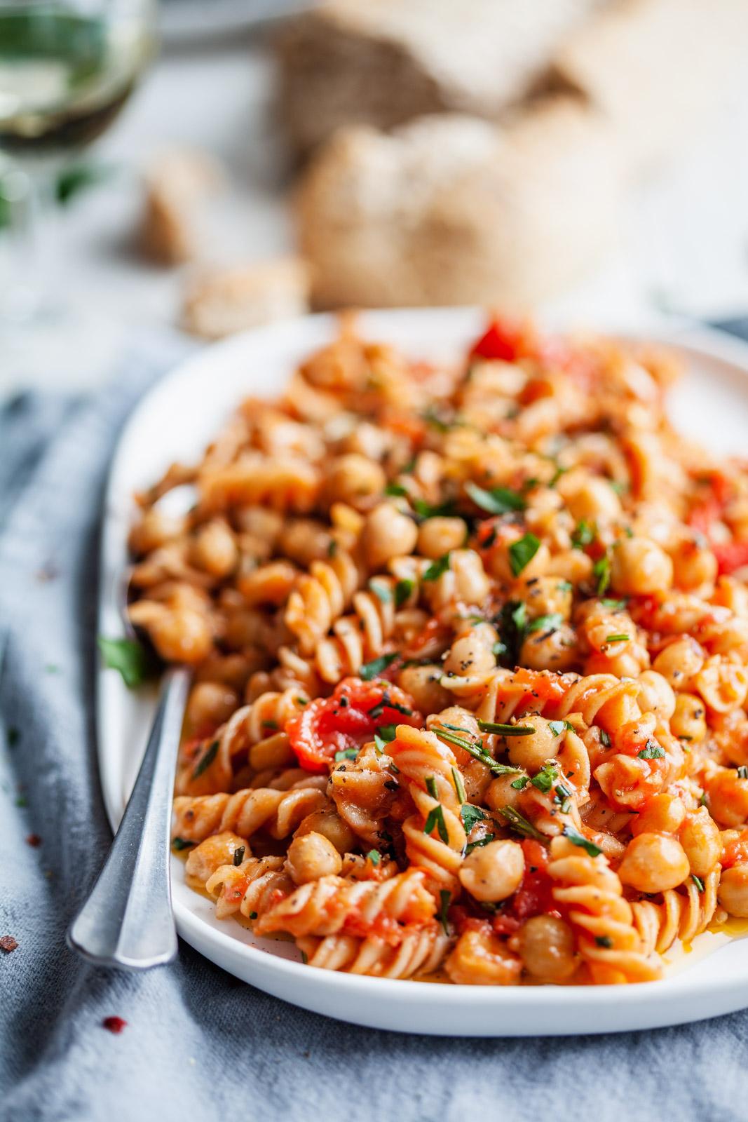 Quick and Delicious Pasta and Chickpeas (Pasta e Ceci)