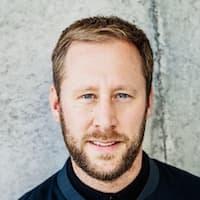 Portrait photo of Daniel Hölzer
