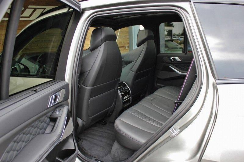 BMW X5 M Competition 4.4 V8 626pk **Pano./ACC/Elek.Trekhaak/HUD/Softclose** afbeelding 24