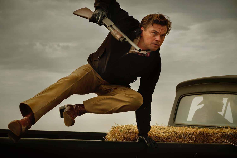 Leonardo DiCaprio em cena de Era Uma Vez em Hollywood, novo filme de Quentin Tarantino