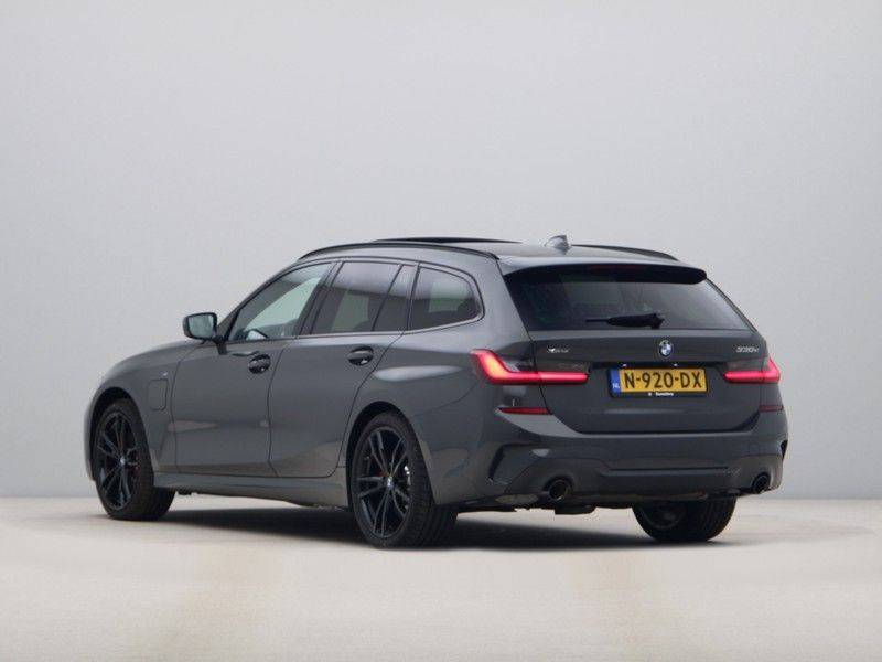 BMW 3 Serie 330Xe Touring High Exe M-Sport Hybrid afbeelding 11