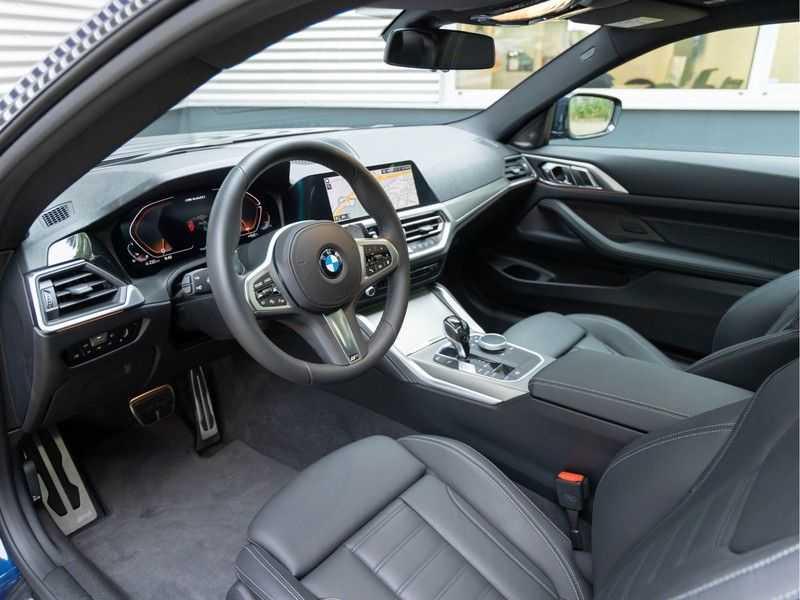 BMW 4 Serie Coupé M440i xDrive M-Sport - Head-up - Dak - Camera - DAB afbeelding 17