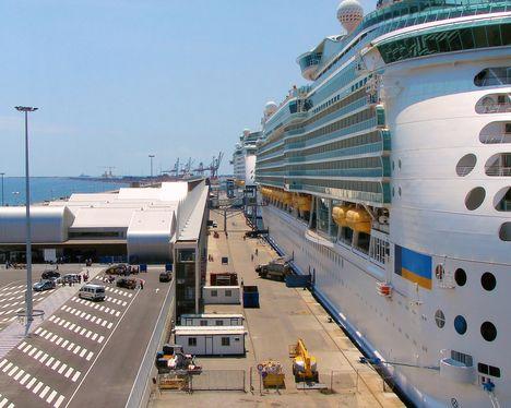 Cruise Charter Flights