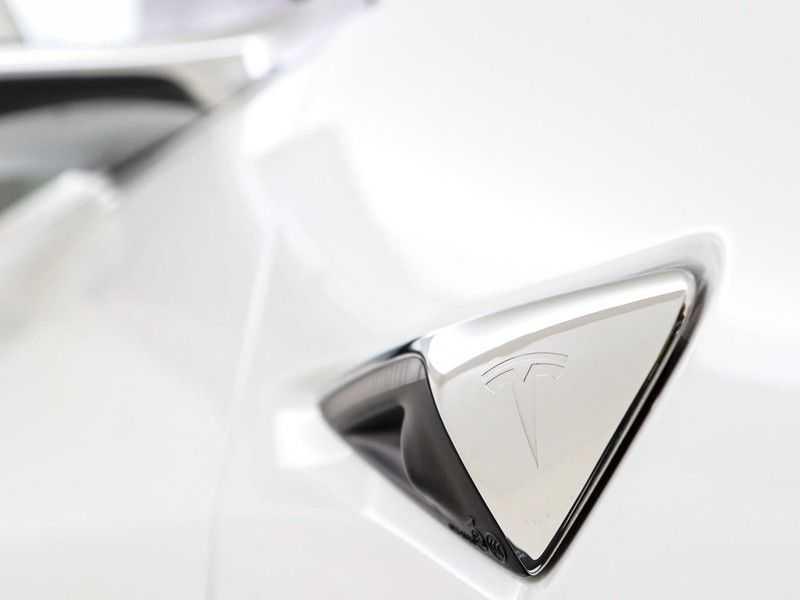 Tesla Model 3 Long Range All-Wheel Drive Performance Prijs is Incl. BTW   20'' grijze Performance-velgen   Performance upgrade   Performance remmen   Autopilot   afbeelding 15