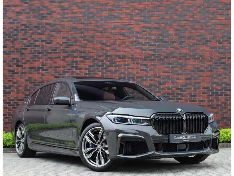 BMW 7 Serie M760Li xDrive *Dravit grey*Executive seats*Sky Lounge*Full option* afbeelding 1