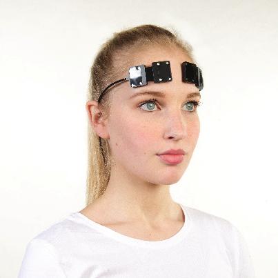 Woman wearing brain sensor