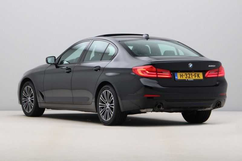 BMW 5 Serie 520i High Exe Sportline Aut. afbeelding 9