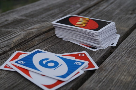Uno Game with Draw Pile