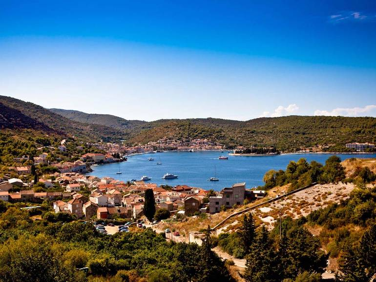 A Military Tour of Vis on a Croatia Sailing Break