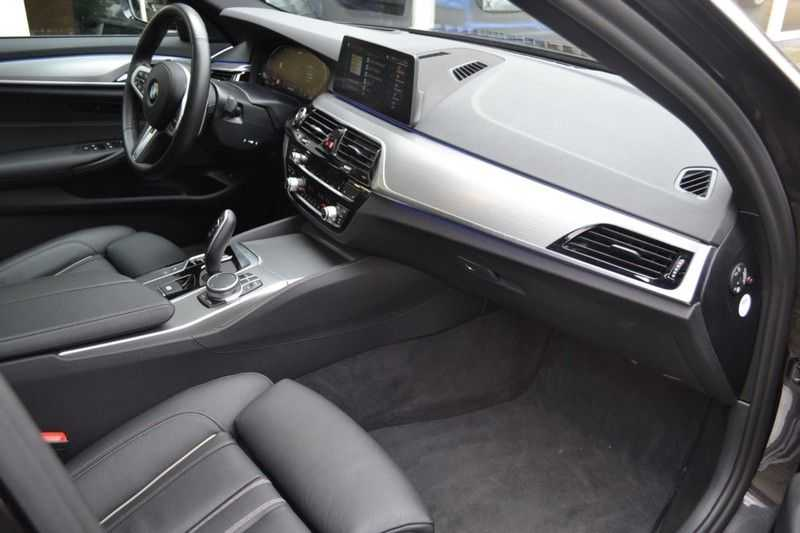 BMW 5 Serie 530i High Executive M-Sport / Pano Dak / ACC / Hud afbeelding 7