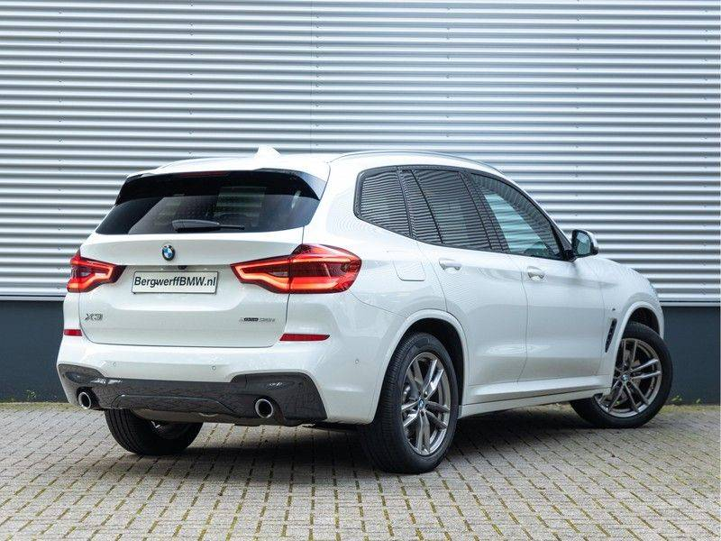 BMW X3 xDrive30i M-Sport - Trekhaak - ACC - Panorama - Head-up - Standkachel afbeelding 2