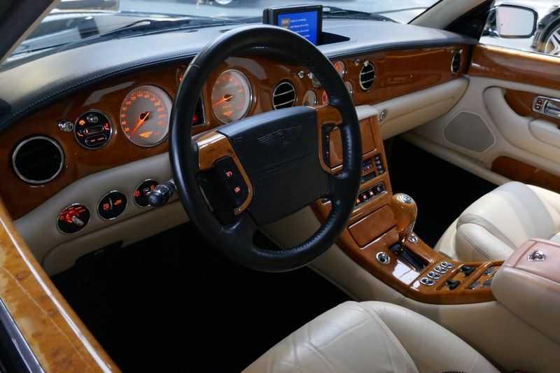 Bentley Arnage 6.8 V8 T Mulliner LWB (1 van 95 st) Youngtimer . afbeelding 20