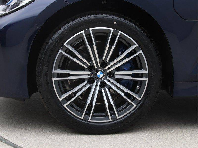 BMW 3 Serie Touring 330e xDrive High Executive M-Sport Automaat afbeelding 22