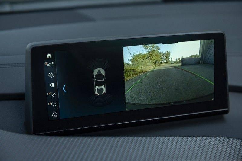 BMW i8 Roadster Dry Carbon, Carbon interieur afwerking, Accaro fijn nappa leder, Progressive package , Laser LED Koplampen afbeelding 18