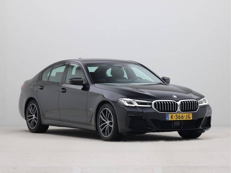 BMW 5 Serie Sedan 520i High Executive M-Sport Automaat afbeelding 7