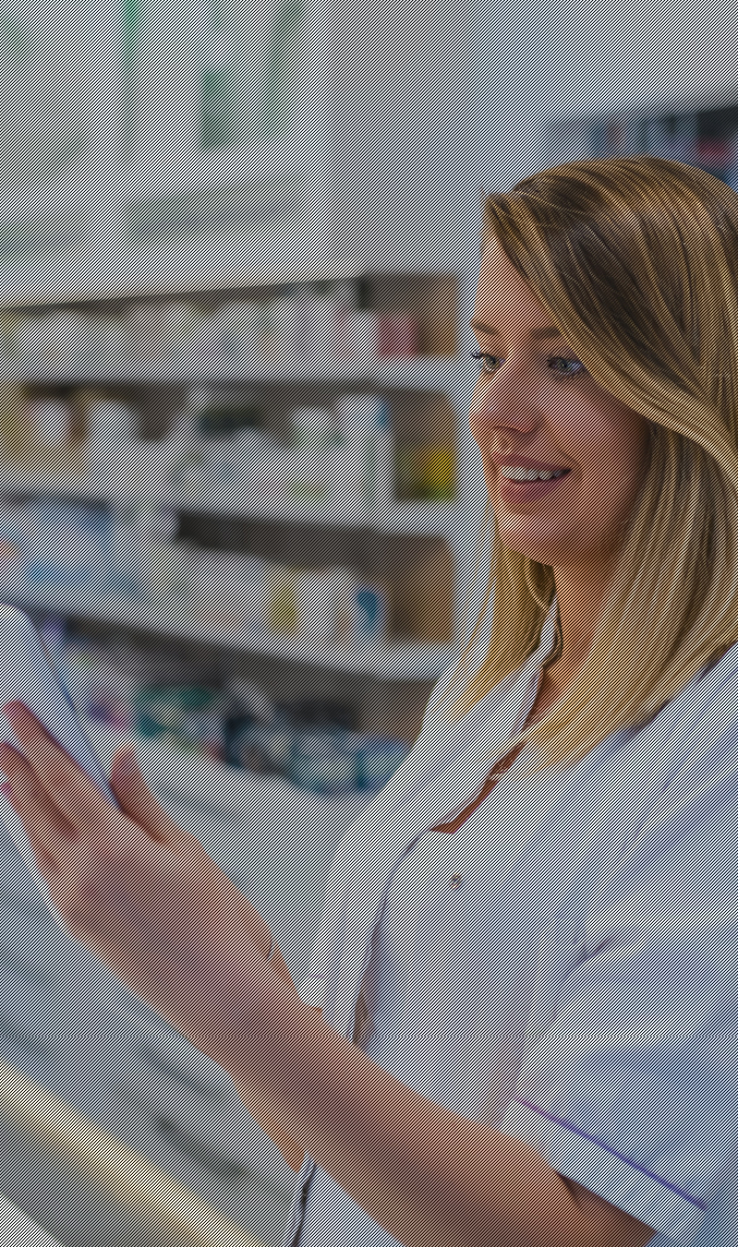 Pharmacist who uses Mobilus software to schedule prescription deliveries in a smart locker