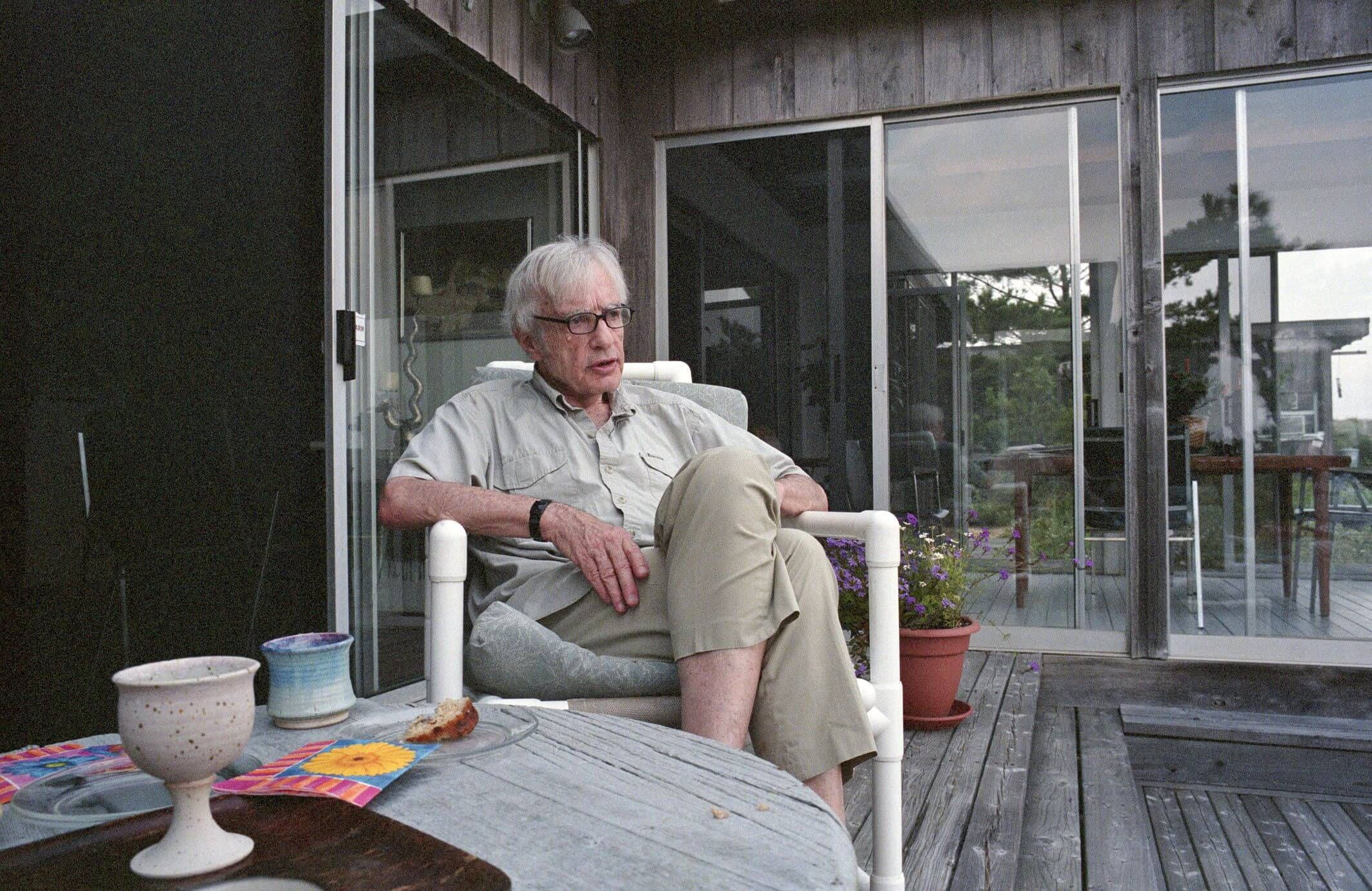 Гарвардский профессор Роберт Лифтон после своих исследований жертв атомной бомбардировки Хиросимы стал выступать против ядерного оружия. Фото: National Center for Jewish Film