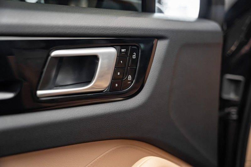 Porsche Cayenne Coupé Hybrid 22 Turbo Luchtvering Surround Camera ACC 3.0 E-Hybrid afbeelding 17