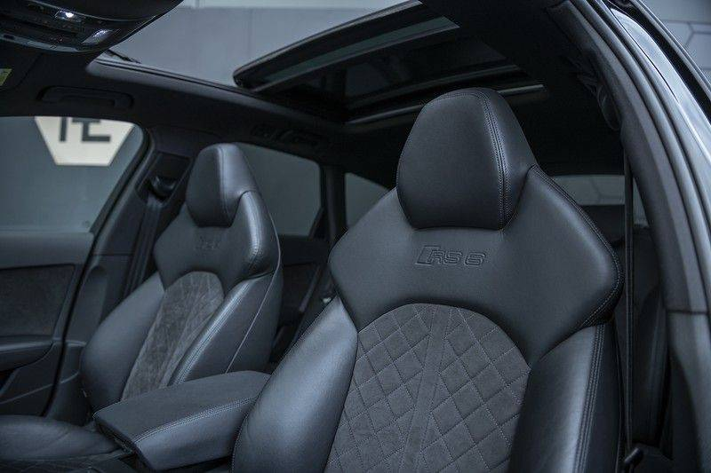 Audi RS6 Performance 605pk Akrapovic Keramische Remmen + Akrapovic + Carbon ext+int + BTW-auto GARANTIE T/M 2022 afbeelding 4